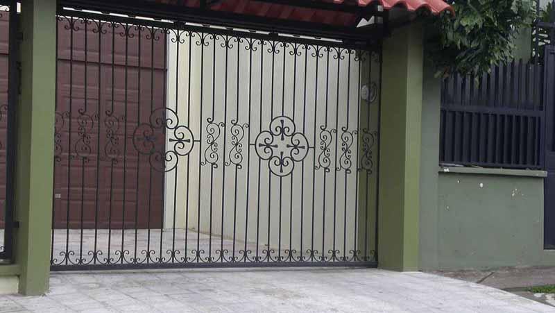 Imagenes de portones de hierro free ubicacin with for Modelos de portones en hierro forjado